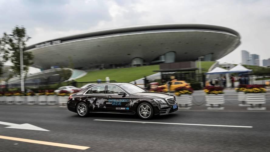 Mercedes-Benz đưa xe tự lái S-Class thử nghiệm ở Trung Quốc - Ảnh 1