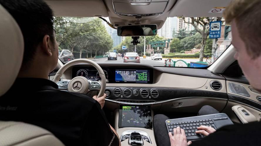 Mercedes-Benz đưa xe tự lái S-Class thử nghiệm ở Trung Quốc - Ảnh 2