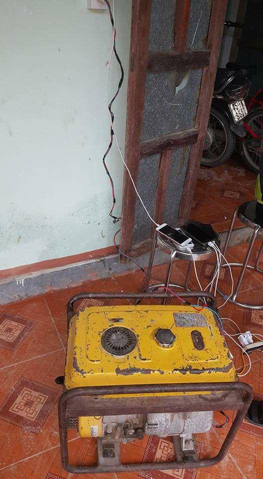 Chuyện bi hài ngày bão: Nước lũ ngập mâm cơm, cả làng dùng ké điện nhà hàng xóm - Ảnh 9