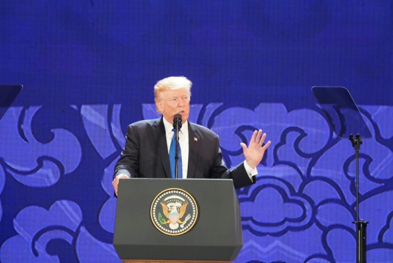 Chiều nay, Tổng thống Mỹ Donald Trump sẽ ra Hà Nội - Ảnh 1