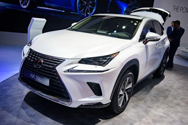 Đối thủ Audi Q5 - Lexus NX 300 2018 chốt giá bán 2,43 tỷ đồng - Ảnh 1