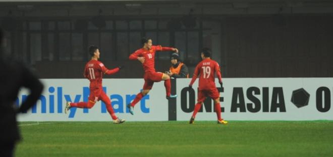 U23 Việt Nam đặt cả châu Á dưới chân bằng chiến thắng để đời - Ảnh 1