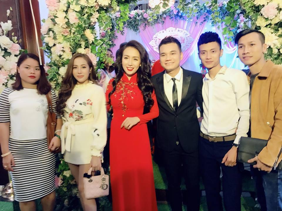 Khắc Việt và bạn gái xinh đẹp tổ chức lễ ăn hỏi - Ảnh 2