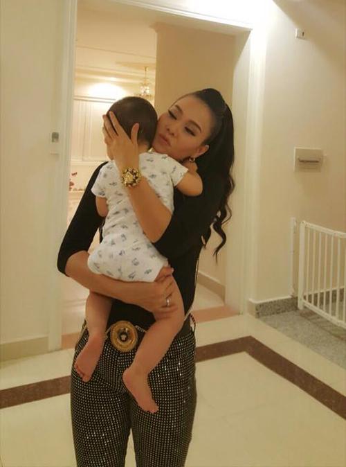 Ngỡ ngàng với diện mạo con trai Thu Minh sau 3 năm giấu kín - Ảnh 2
