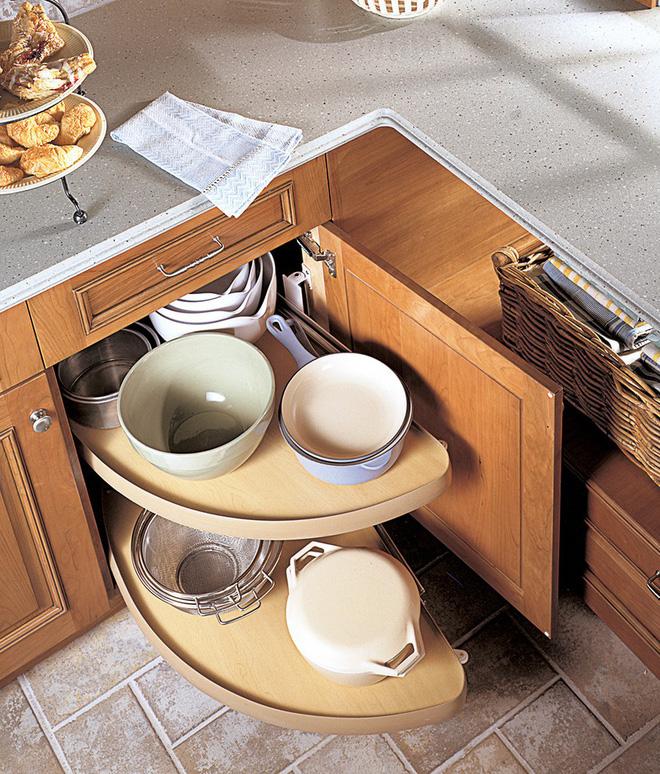 Nhà bếp tiện lợi hơn nhờ những ngăn tủ thông minh này - Ảnh 2