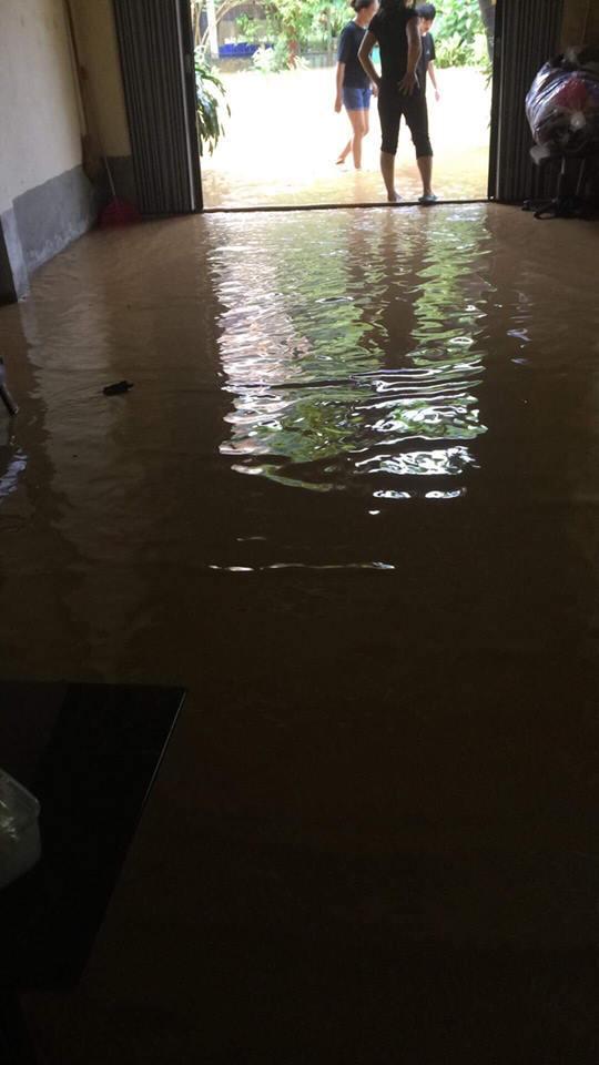Chùm ảnh: TP.Yên Bái chìm trong biển nước - Ảnh 9