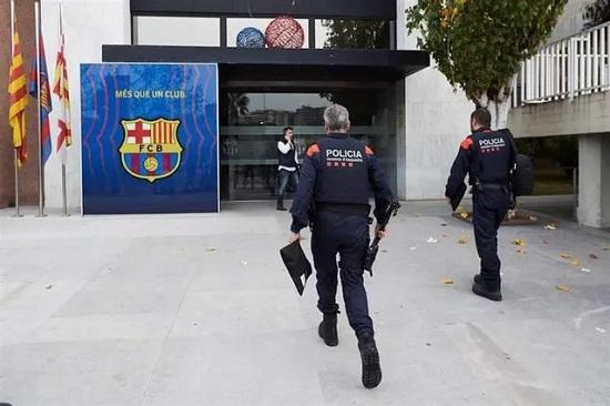 Cựu Chủ tịch Barca bị bắt vì liên quan đến bê bối Barcagate
