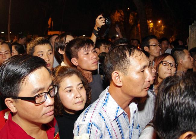 U19 Việt Nam viếng Đại tướng Võ Nguyên Giáp lúc nửa đêm - Ảnh 7