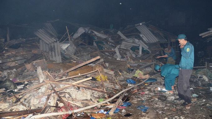 Cháy lớn thiêu rụi hơn 100 kiốt chợ Hải Hà - Ảnh 2