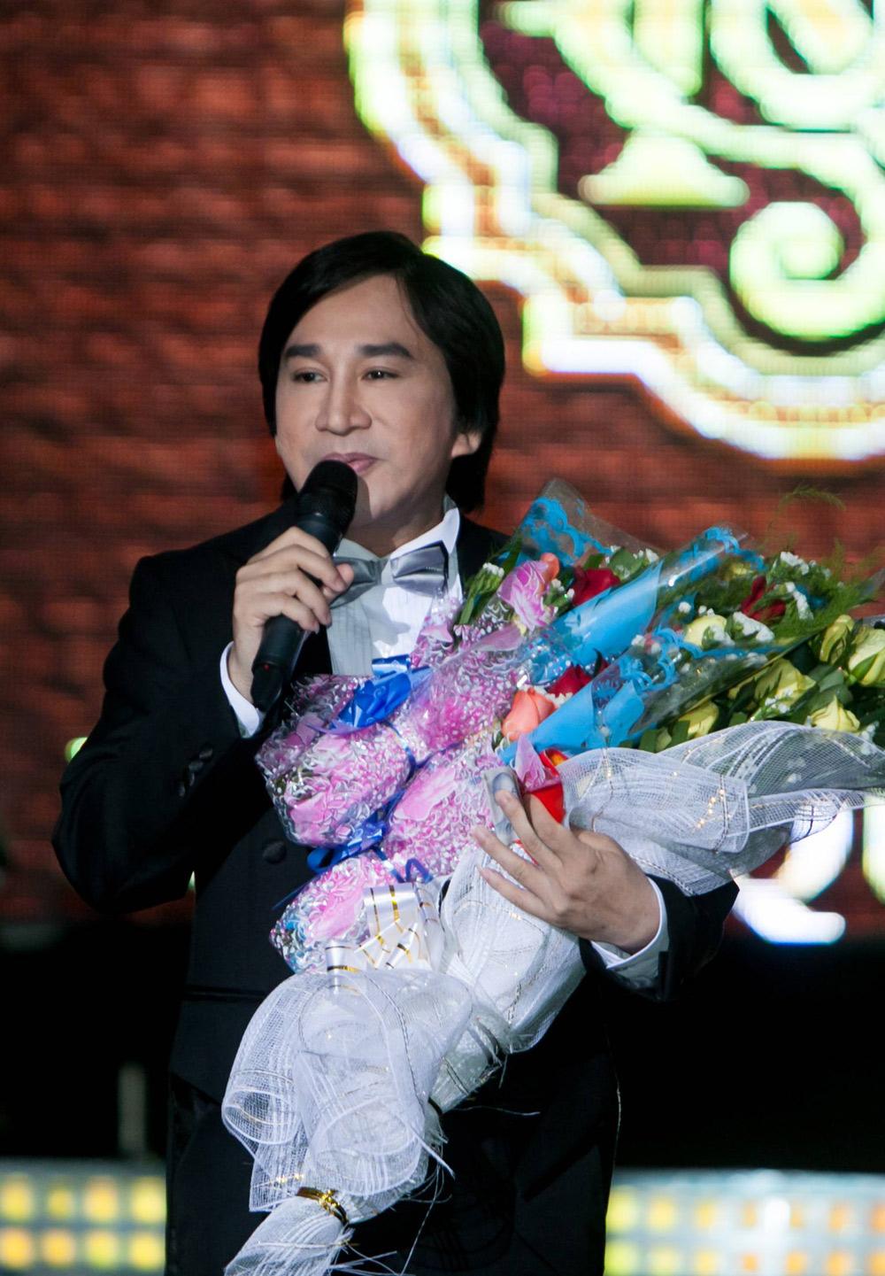 Kim Tử Long bị khởi tố về hành vi đánh bạc - Ảnh 1