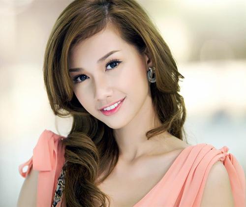 Những mỹ nhân Việt tuổi ngựa xinh đẹp và tài năng - Ảnh 27