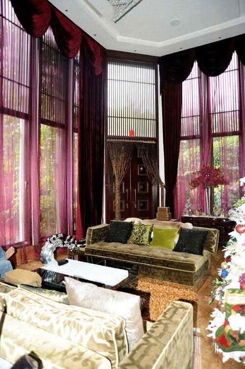 Bức tranh giàu - nghèo trong showbiz Việt - Ảnh 12