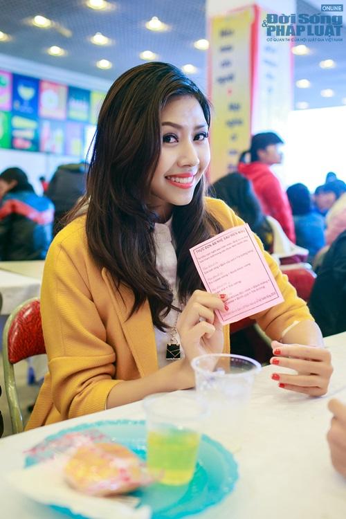 Hoa hậu biển Nguyễn Thị Loan tham gia Lễ hội Xuân Hồng - Ảnh 9
