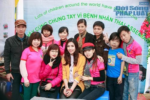 Hoa hậu biển Nguyễn Thị Loan tham gia Lễ hội Xuân Hồng - Ảnh 10