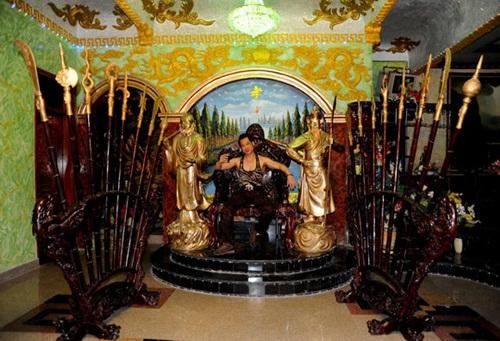 Ngắm biệt thự 105 tỷ như đền thờ của ca sĩ Ngọc Sơn - Ảnh 5