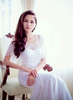 Xôn xao tin đồn Hoa hậu Diễm Hương bị chồng đệ đơn đòi ly hôn  - Ảnh 1