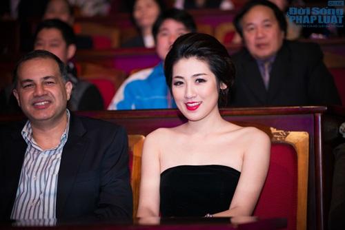 """Mai Phương Thúy giản dị làm giám khảo """"Người đẹp Kinh Bắc"""" - Ảnh 9"""