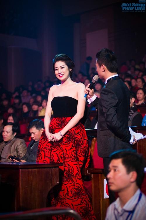 """Mai Phương Thúy giản dị làm giám khảo """"Người đẹp Kinh Bắc"""" - Ảnh 10"""