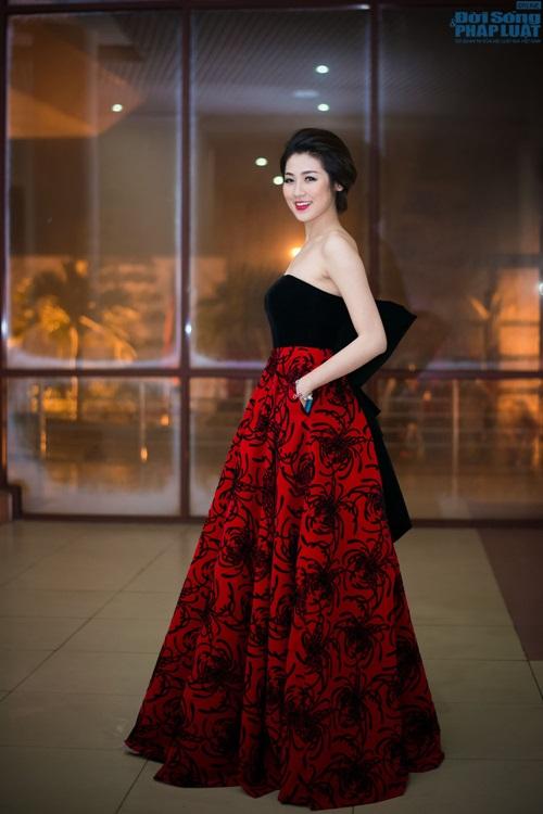 """Mai Phương Thúy giản dị làm giám khảo """"Người đẹp Kinh Bắc"""" - Ảnh 11"""