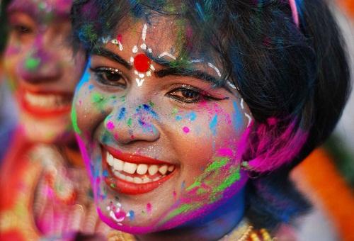 Lễ hội Holi: Cuộc chiến của những sắc màu ở Ấn Độ - Ảnh 1