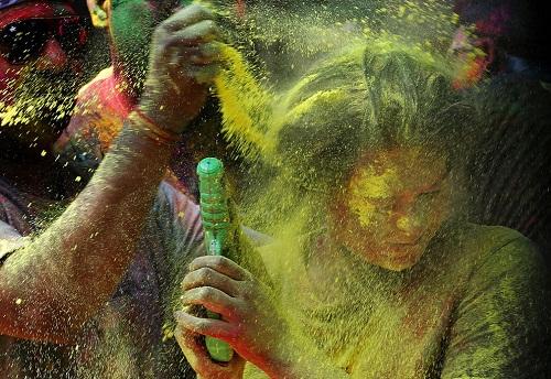 Lễ hội Holi: Cuộc chiến của những sắc màu ở Ấn Độ - Ảnh 2