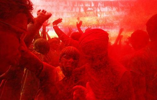Lễ hội Holi: Cuộc chiến của những sắc màu ở Ấn Độ - Ảnh 20