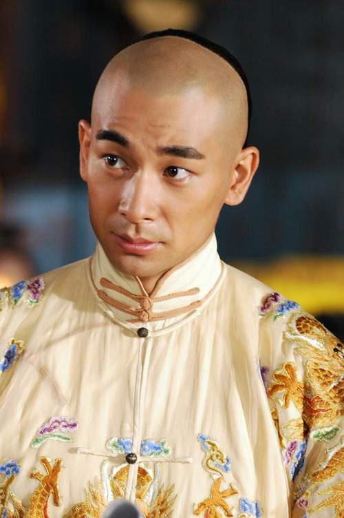 Những hoàng đế điển trai nhất trên màn ảnh Hoa ngữ - Ảnh 10