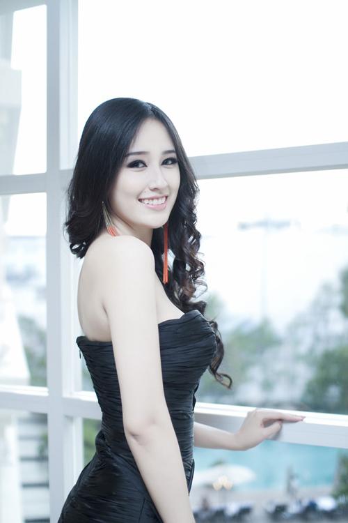 """Hoa hậu Mai Phương Thúy đạt ngưỡng chiều cao """"khủng"""" 1m88  - Ảnh 6"""