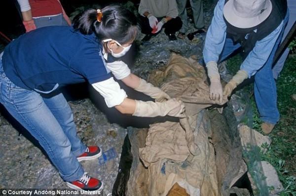 Phát hiện bức thư tình 400 năm trên xác ướp Hàn Quốc - Ảnh 3