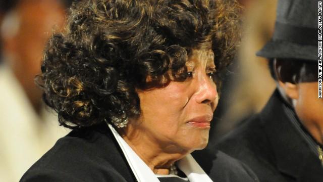 """Mẹ Michael Jackson """"ngậm ngùi"""" đi tìm nguyên nhân cái chết của con - Ảnh 2"""