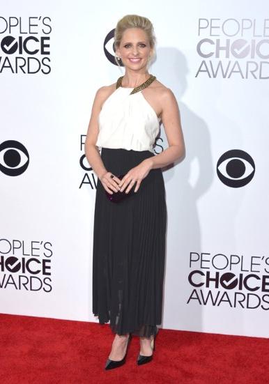Sao Hollywood khoe sắc trên thảm đỏ People's Choice Awards - Ảnh 1