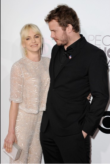 Sao Hollywood khoe sắc trên thảm đỏ People's Choice Awards - Ảnh 8