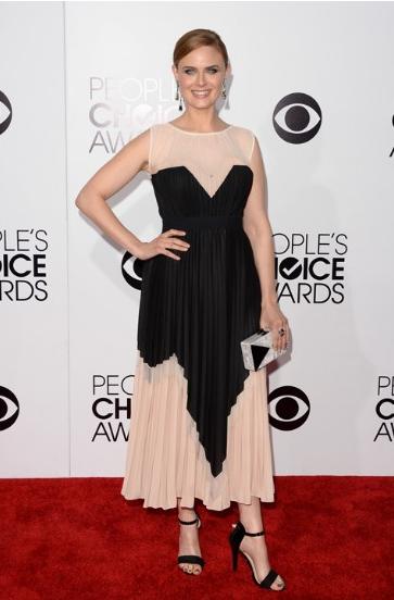 Sao Hollywood khoe sắc trên thảm đỏ People's Choice Awards - Ảnh 6