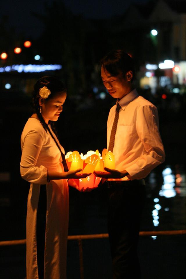 Hội An lung linh trong Tết Nguyên Tiêu và ngày lễ tình nhân - Ảnh 11