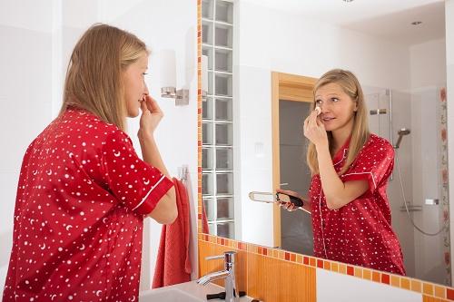 10 vật dụng làm đẹp không thể thiếu có trong tủ đồ của mỗi cô gái - Ảnh 2
