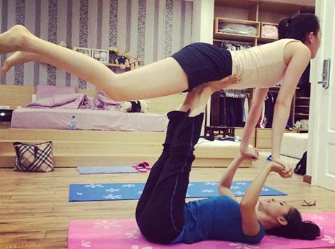 Sao Việt khoe tài uốn dẻo, gập cong người khi tập Yoga - Ảnh 6