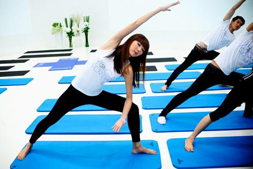 Sao Việt khoe tài uốn dẻo, gập cong người khi tập Yoga - Ảnh 10