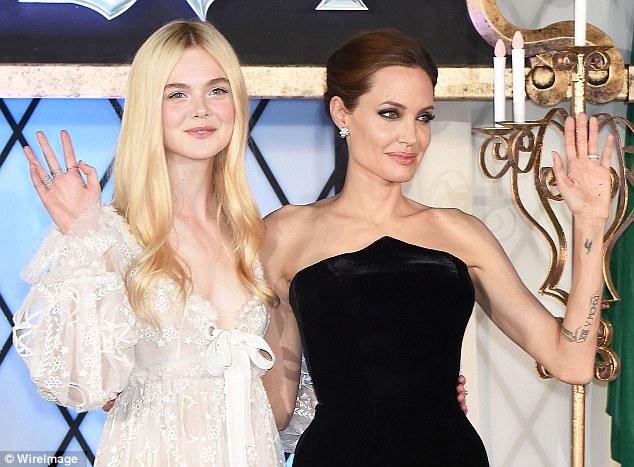 Angelina Jolie lộng lẫy ra mắt phim Maleficent tại Nhật - Ảnh 1