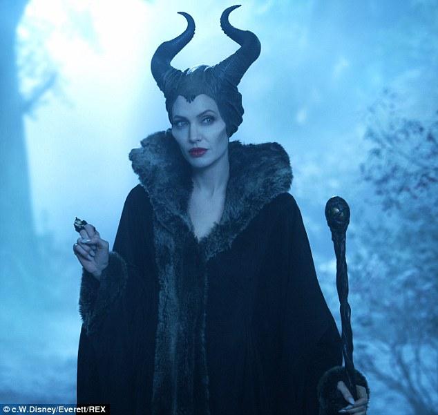 Angelina Jolie lộng lẫy ra mắt phim Maleficent tại Nhật - Ảnh 6