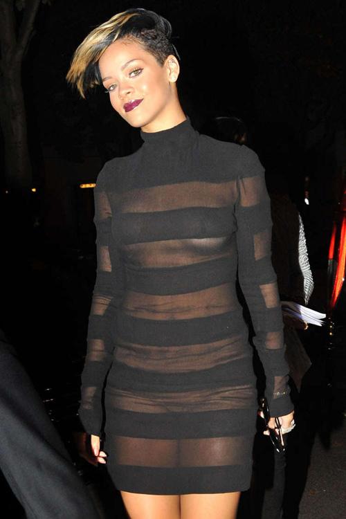 Những hình ảnh gây nhức mắt của Rihanna - Ảnh 11