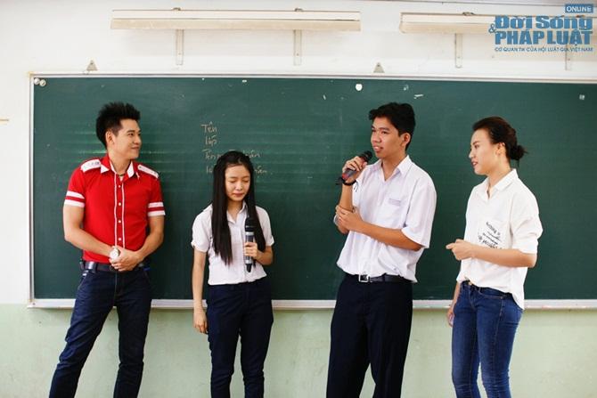 """Đông Hùng Idol kết hợp Chí Thiện """"ăn hiếp"""" Phùng Ngọc Huy - Ảnh 4"""