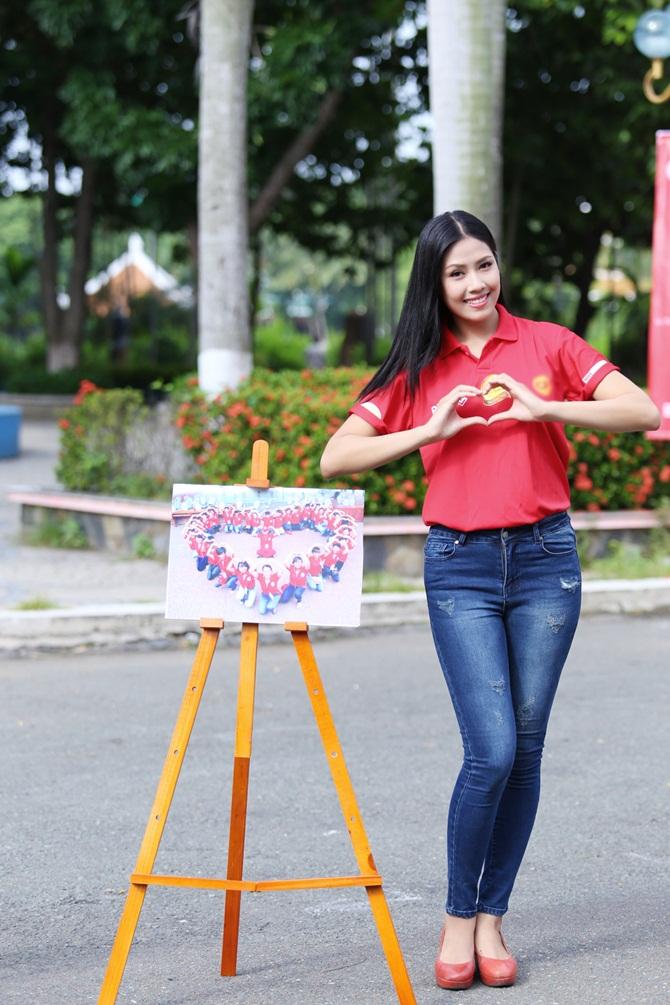 Nguyễn Thị Loan giản dị vận động giới trẻ hiến máu nhân đạo - Ảnh 5