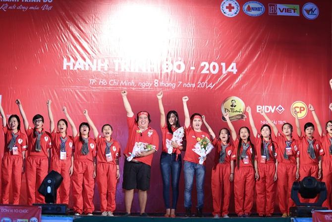 Nguyễn Thị Loan giản dị vận động giới trẻ hiến máu nhân đạo - Ảnh 7