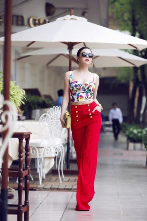 Style sao Việt tuần qua: Hà Hồ nổi bật với phong cách cổ điển - Ảnh 10