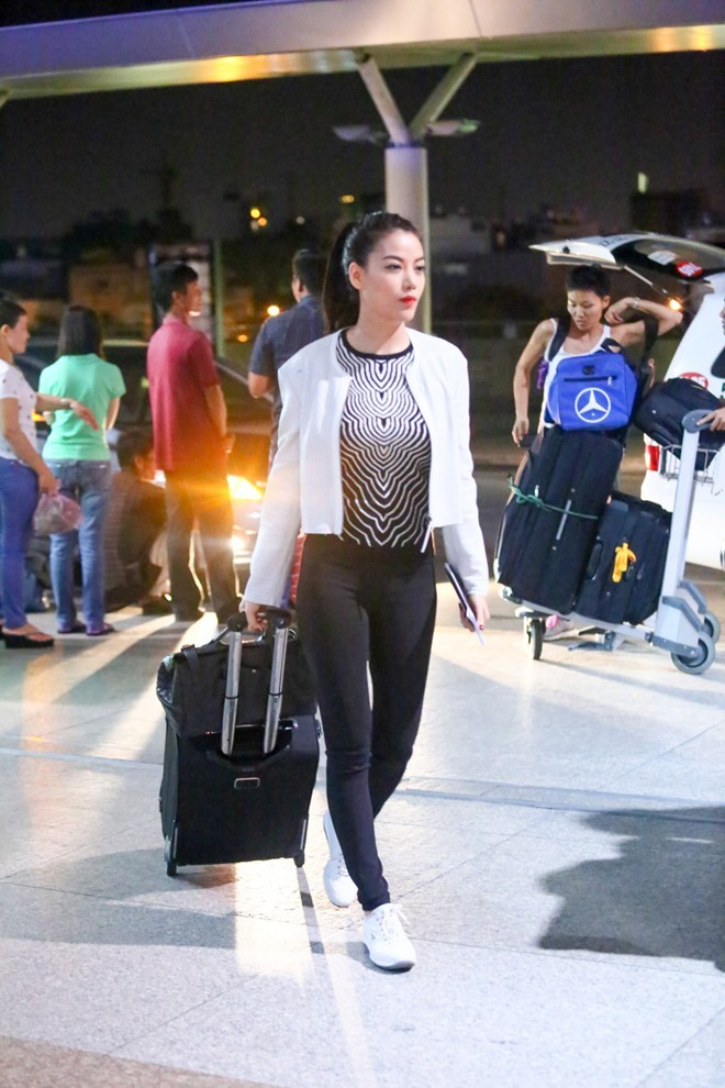 Style sao Việt tuần qua: Hà Hồ nổi bật với phong cách cổ điển - Ảnh 6