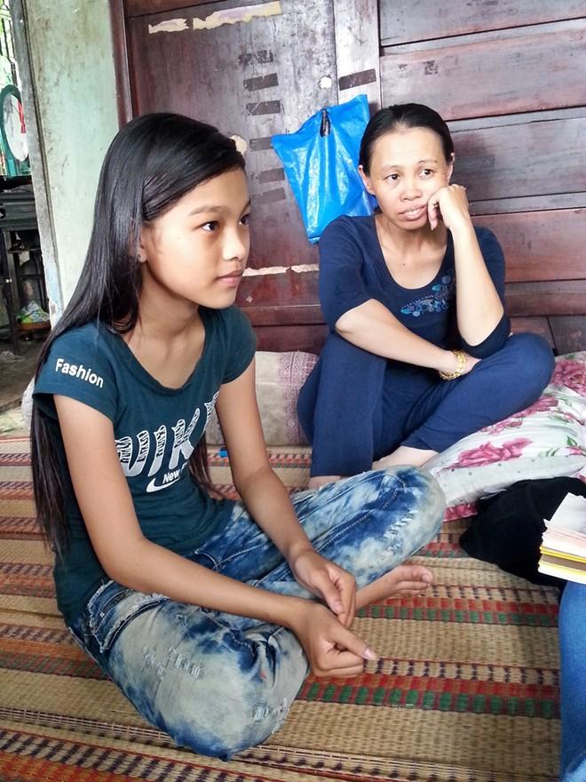 Cô bé nghèo The Voice Kids 13 tuổi vẫn chưa được tới trường - Ảnh 3