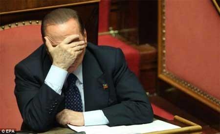 Cựu Thủ tướng của Italia sẽ phải đi nhặt rác - Ảnh 1