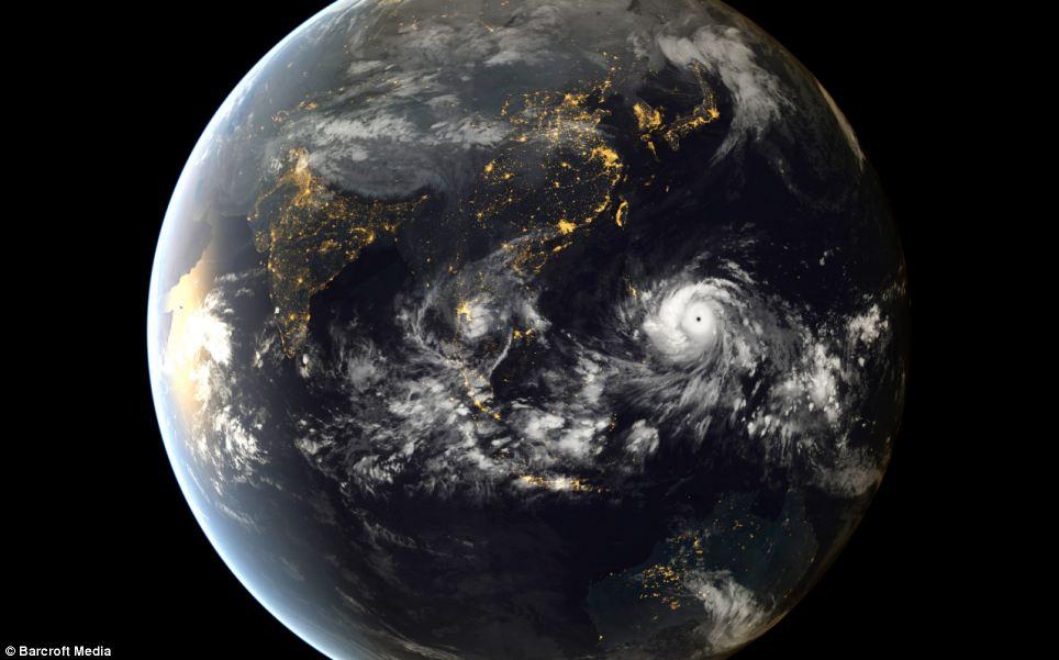 Hình ảnh đáng sợ của siêu bão mạnh nhất lịch sử nhìn từ vũ trụ - Ảnh 1