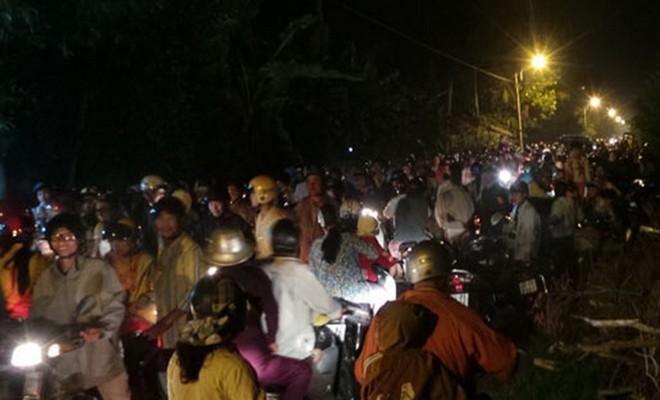 Sự thật người dân kéo nhau đi xem Phật hiển linh trên cây - Ảnh 4