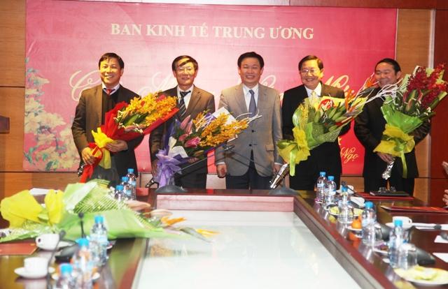 Bộ Chính trị bổ nhiệm 5 Phó Trưởng Ban Kinh tế Trung ương - Ảnh 3